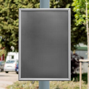 Klapprahmen mit Laternenhalterung, 32 mm Profil, silber eloxiert, Gehrungsecken