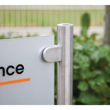 "Firmenschild ""Straight-Line Entrance"""